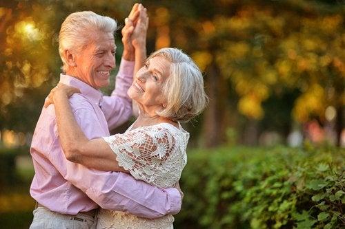 Ballare per mantenersi in forma dopo i 50