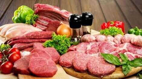 Aumentare la pressione arteriosa: carni rosse.
