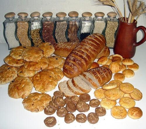 È indispensabile seguire una dieta ricca di cereali integrali e povera di cereali raffinati