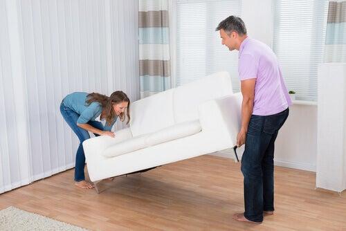 Coppia sistema un divano nuovo