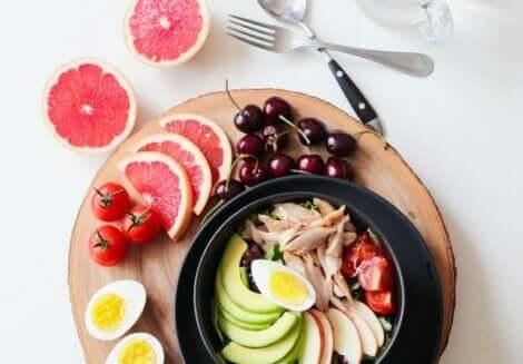 Dieta sana per combattere il fegato grasso.