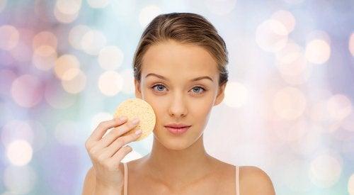 Donna con pelle più pulita