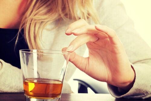 Un altro accorgimento da adottare è evitare bevande alcoliche