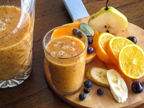 Frullato di pera e arancia