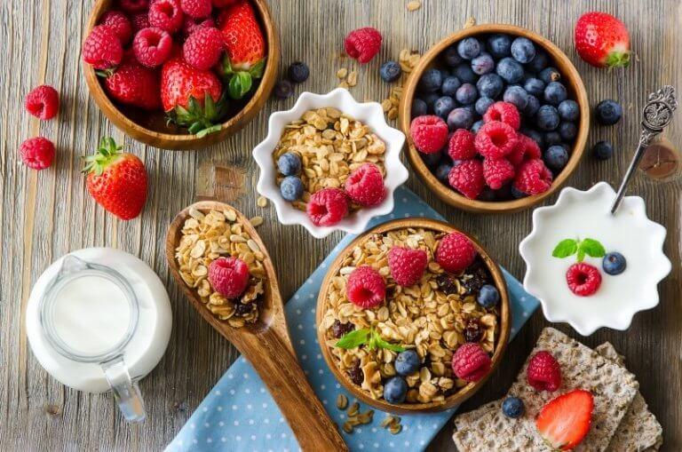 Frutti rossi e cereali