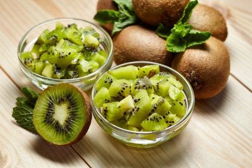 Ciotole piene di kiwi