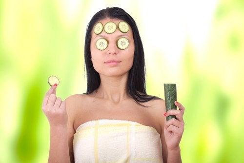 Maschera con cetriolo per eliminare le occhiaie