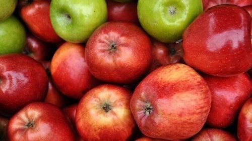 Maschera con mele e olio di oliva