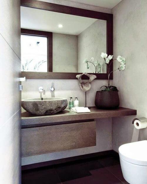 Specchio del bagno