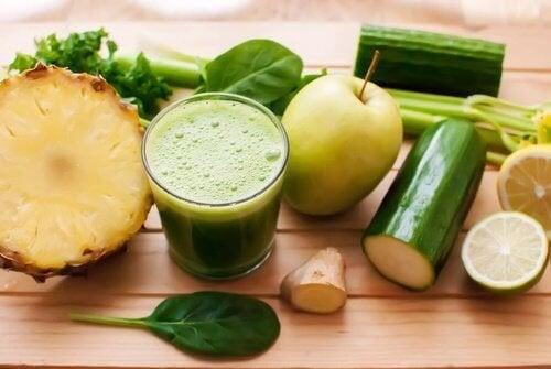 Eliminare le tossine con 5 frullati naturali