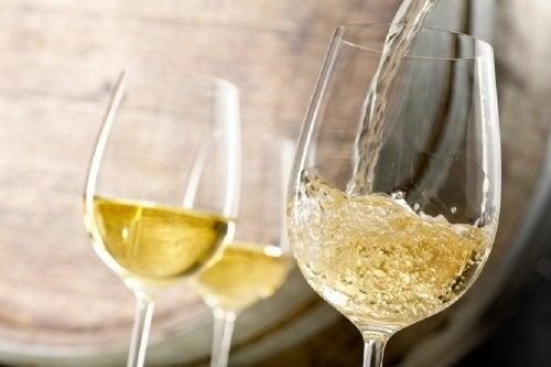 bevande per trattare l'anemia - vino bianco