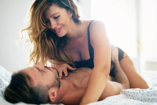 Uomo e donna in intimità