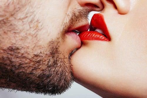 Baciarsi sulle labbra