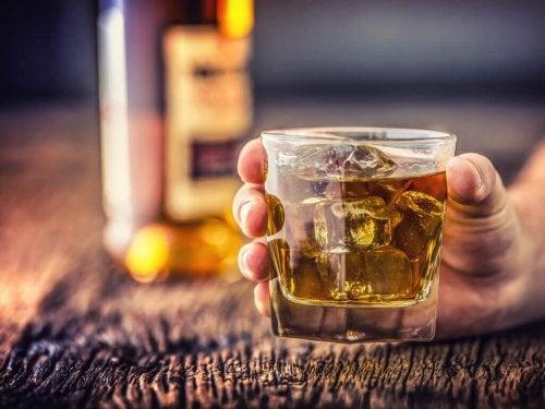 Bicchiere con alcolico