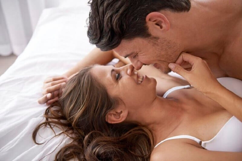 Come stimolare i capezzoli della donna?