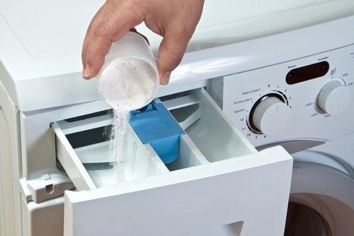 Detersivo nella lavatrice
