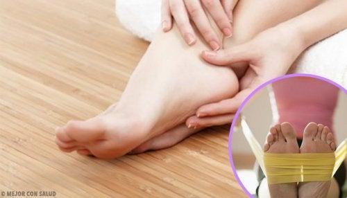Rafforzare i piedi con 8 facili esercizi