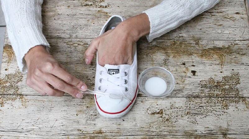 Sbiancare le scarpe da ginnastica — Vivere più sani