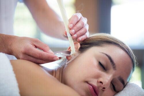 Candele hopi: un modo naturale per pulire le orecchie