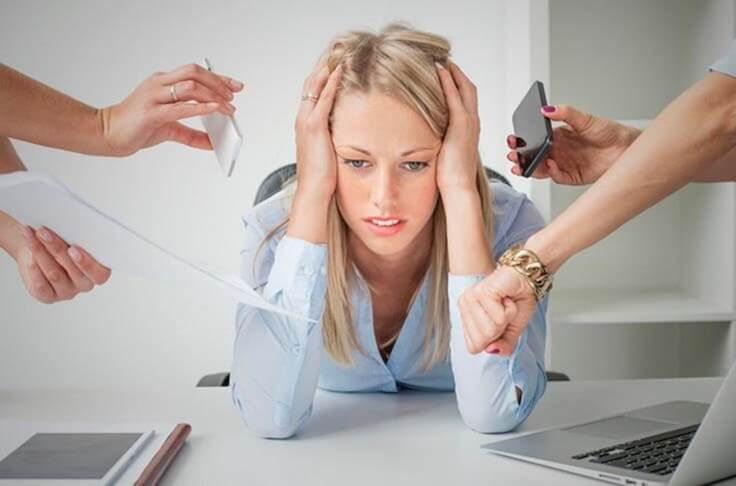 Ragazza stressata