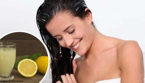 Rimuovere la tinta dai capelli: 4 metodi naturali