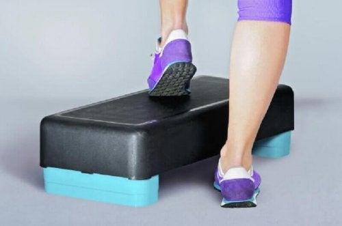 Stepped da usare per rafforzare le ginocchia