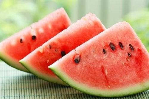 Anguria - frutti ricchi di acqua
