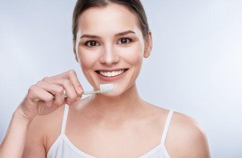 Dentifrici prodotti a base di olio di cocco