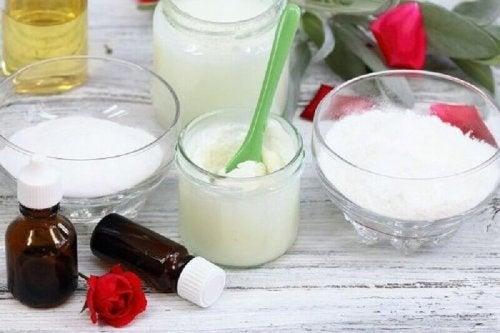 Bicarbonato di sodio e olio di cocco