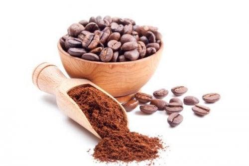 Caffè contro cattivi odori in cucina