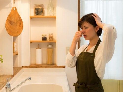 Eliminare I Cattivi Odori Dalla Cucina 10 Trucchi Vivere Piu Sani
