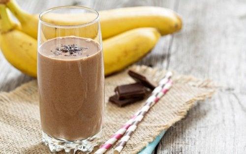 Frullato con cioccolato e banana