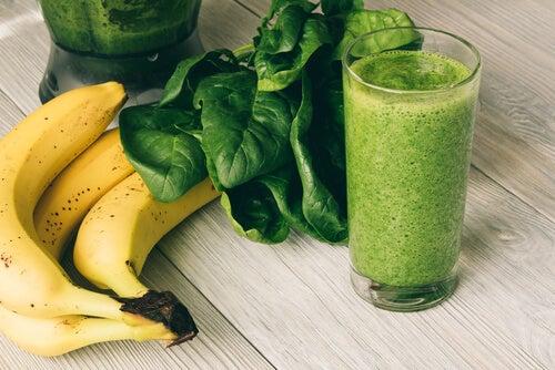Frullato di banana e spinaci