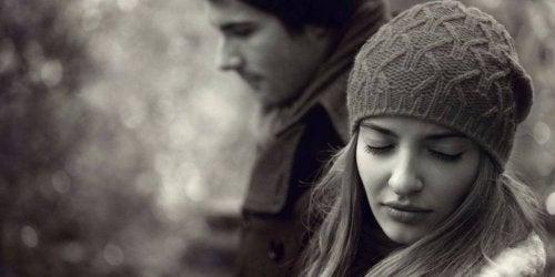 perseverare da soli nel mantenere una relazione non è una dimostrazione d'amore