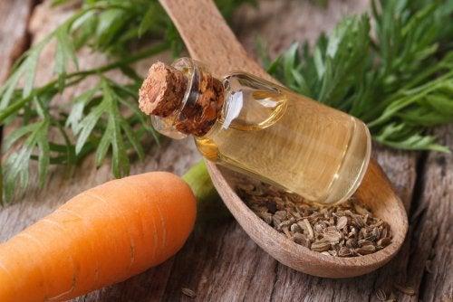 Capelli forti e sani:  3 maschere all'olio di carota