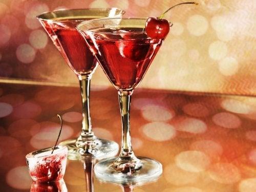 Alimenti che aumentano l'acido urico - Drink alcolici