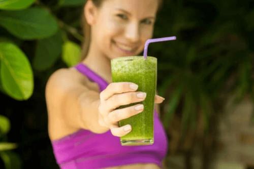 Consumo quotidiano di bevande per perdere peso