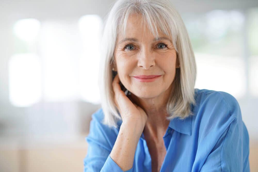 Coprire i capelli bianchi: prodotti naturali