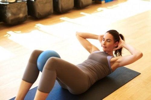 Esercizio con le ginocchia