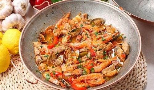 Alimenti che aumentano l'acido urico - Frutti di mare