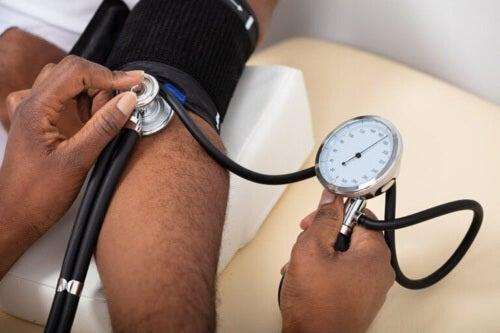La pressione arteriosa alta dipende da 5 fattori