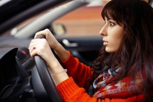 Paura di guidare: a cosa è dovuta?