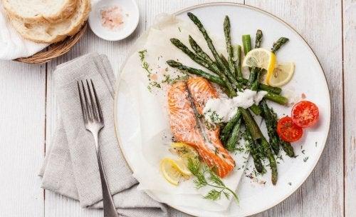 Piatto di salmone per cena