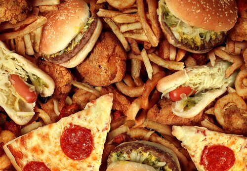 Pizze e panini gli alimenti peggiori