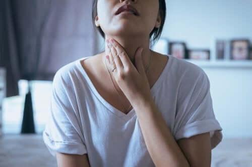 Noduli alla gola: 5 possibili sintomi