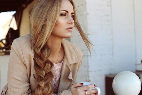 Capelli lunghi e in salute: 4 utili consigli
