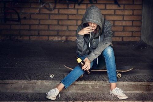 L'adolescenza senza freni e le droghe