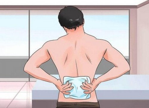 Abitudini quotidiane che aggravano il mal di schiena