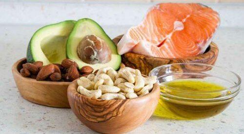 Alimenti ricchi di grassi sani