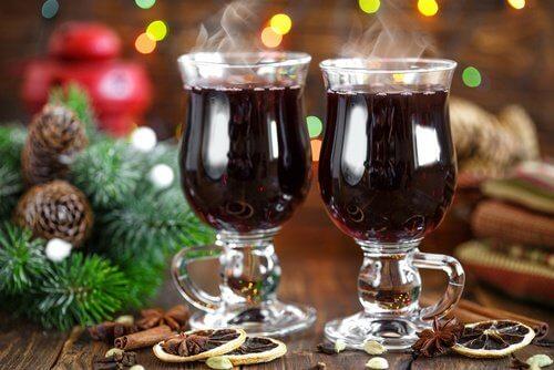 Aperitivo natalizio al vino e cannella